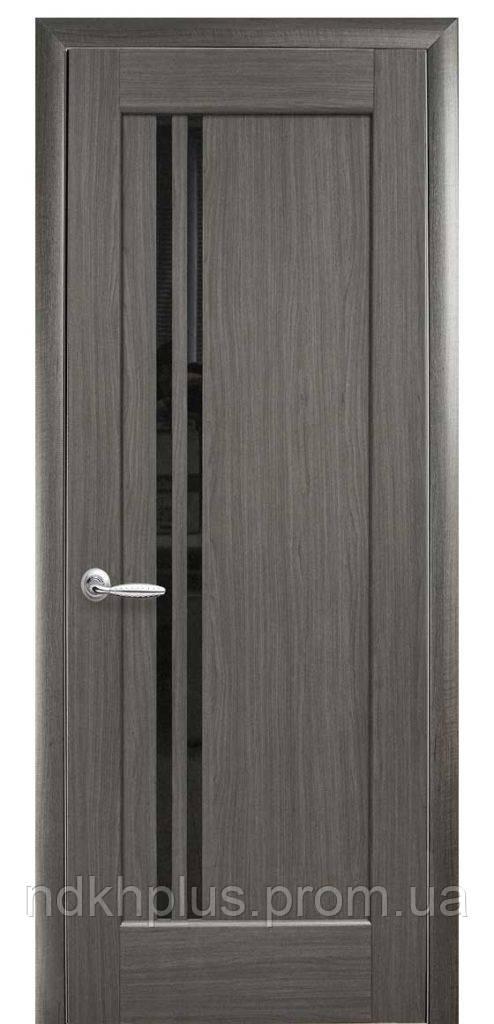 Двери межкомнатные Делла с черным стеклом