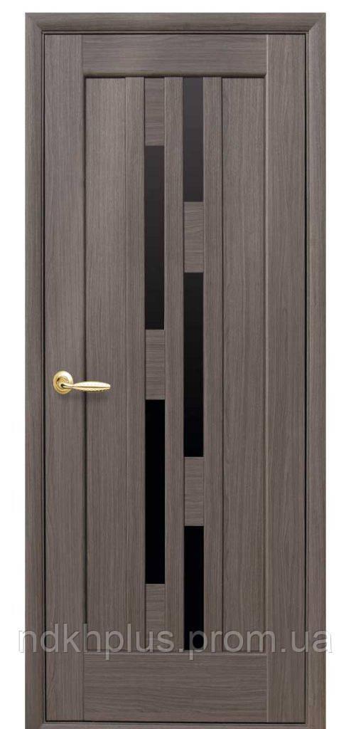Двери межкомнатные Лаура с черным стеклом
