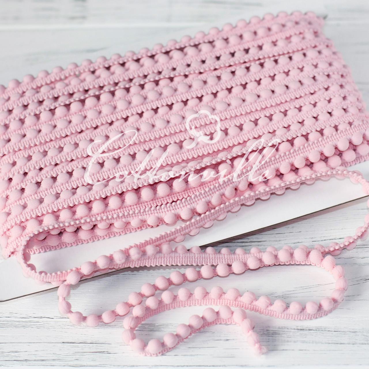 Тесьма с мелкими помпонами розовая