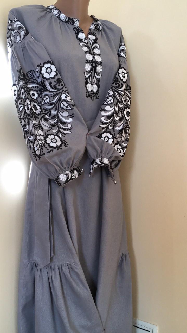 ae62b30e4de03e Вишита сукня на сірому льоні машинна вишивка - Скарбниця Карпат- інтернет  магазин виробів ручної роботи