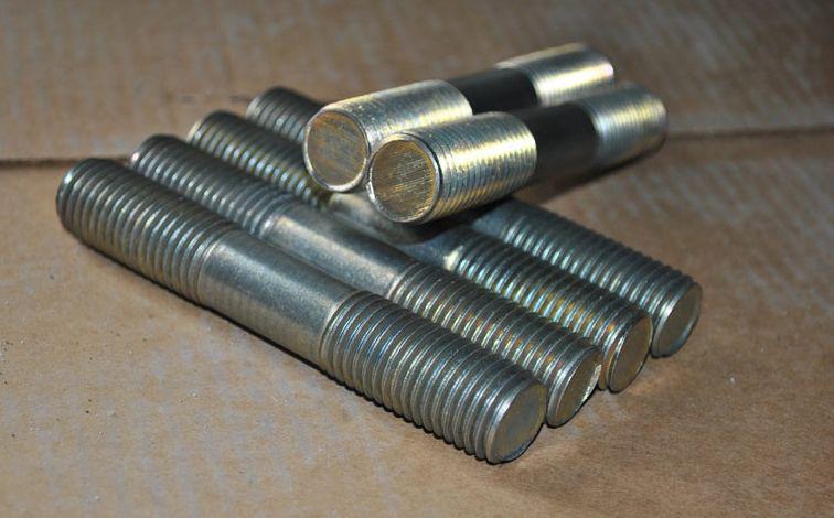 ГОСТ 22042-76 Шпилька М22 для деталей с гладкими отверстиями