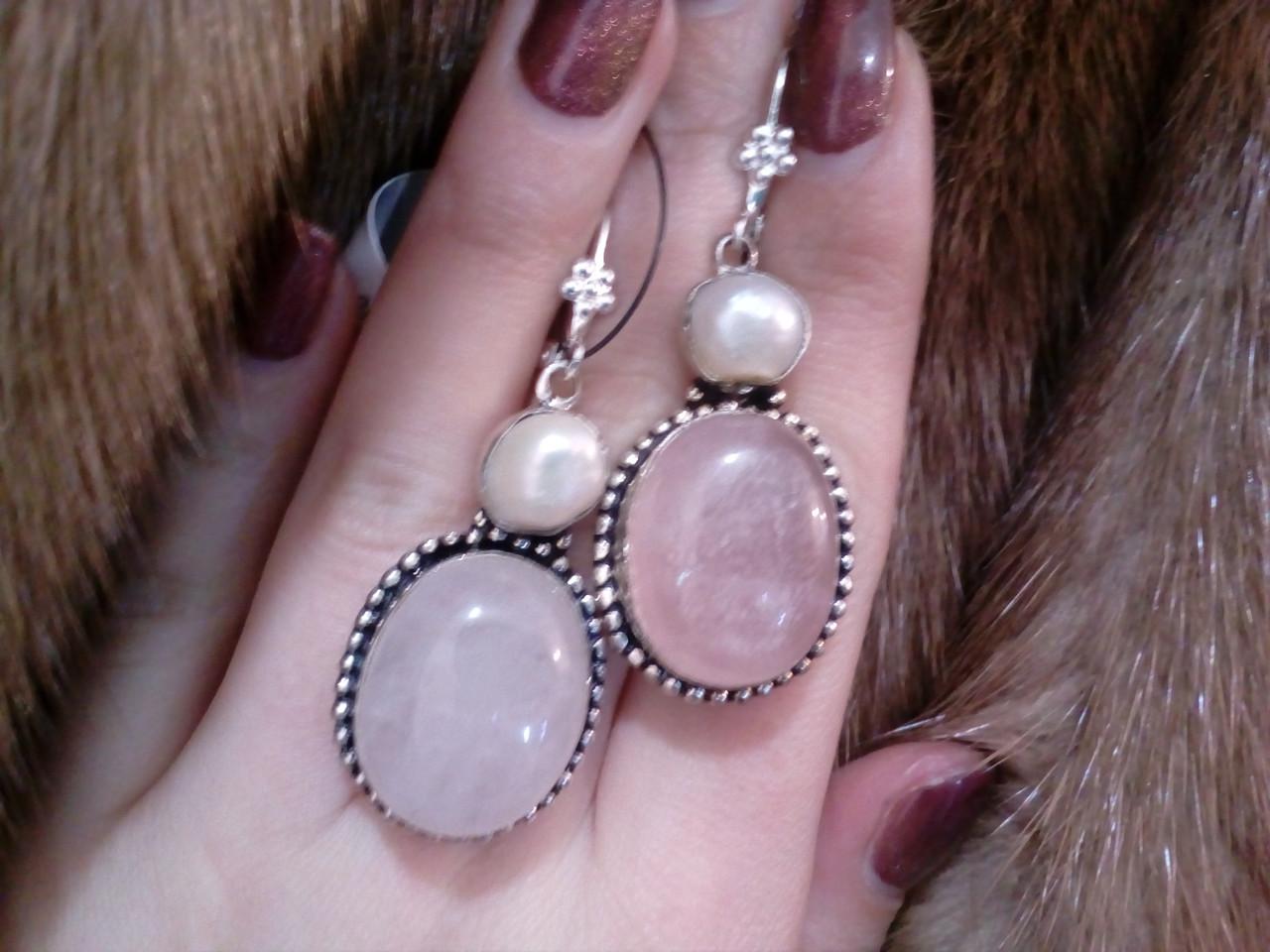 Серьги с натуральным камнем - розовый кварц и жемчуг в серебре. Индия!