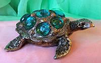 Статуэтка фэн - шуй черепаха на монетах, ширина 14 см.