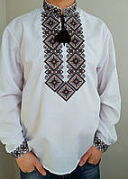 Мужская вышиванка с темной вышивкой