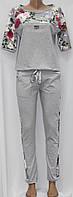 Женский прогулочный спортивный костюм, футболка и брюки, серый с цветочными вставками, Турция