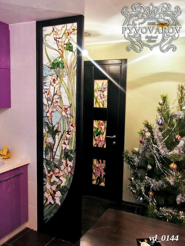 Витражные двери с сакурой