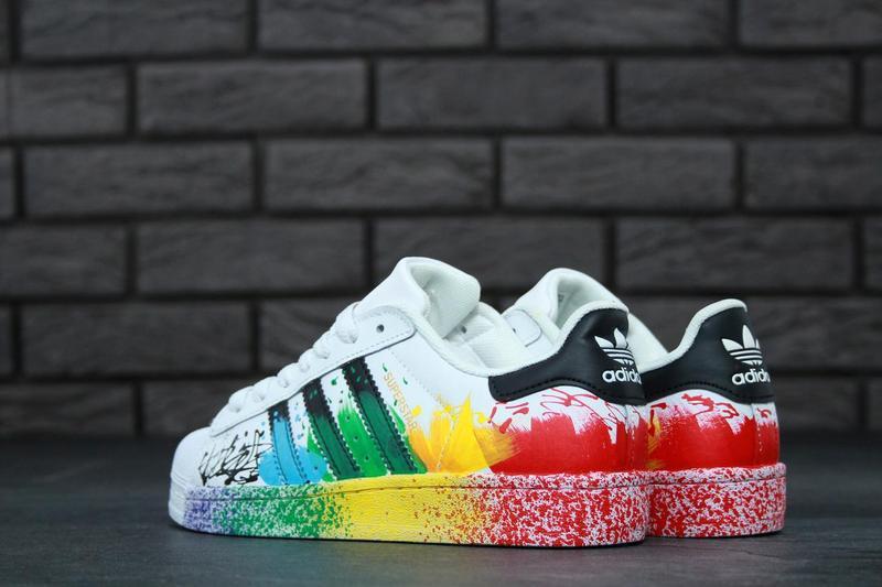 best sneakers d99a6 4bfd4 Женские кроссовки Adidas Originals Superstar Pride Pack White Rainbow