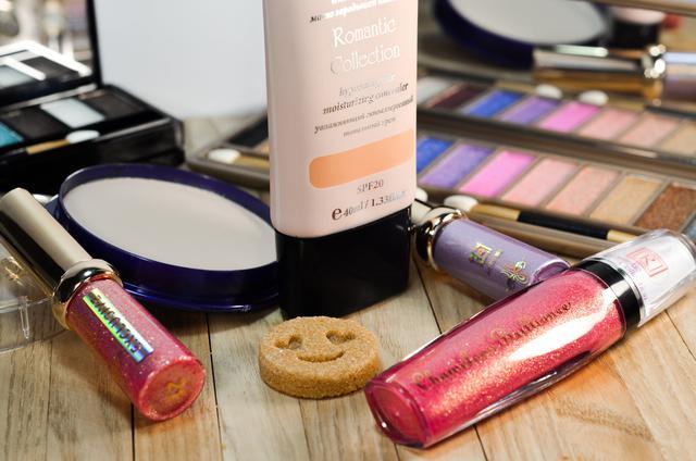 Средства для макияжа дропшиппинг и опт