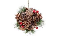 Новогоднее украшение Шар 13.5см с декором из шишек и ягод