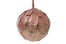 Новогодний подвесной декор Шар из натуральных листиков, бронза с блестками