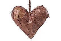 Новогодний подвесной декор Сердце из натуральных листиков, коричневый с блестками