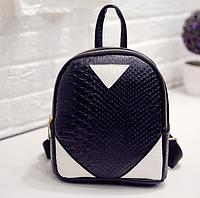 Рюкзак маленький школьный городской Треугольники Модный Высота 23 см., фото 1