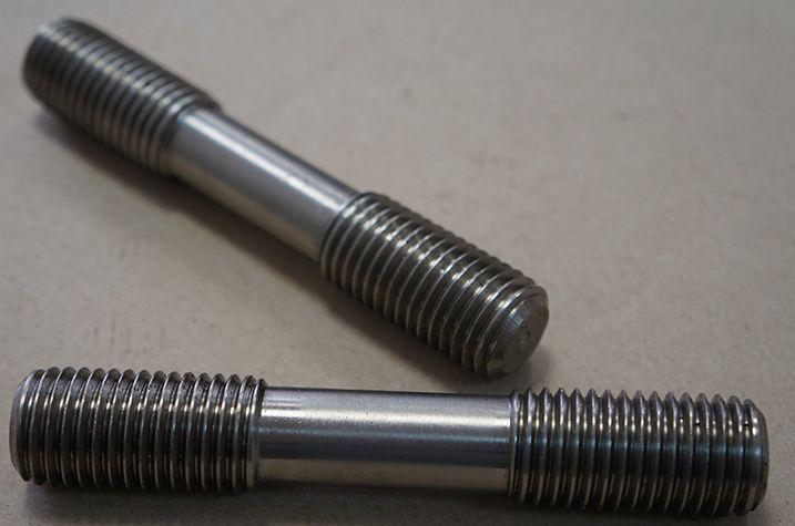 ГОСТ 22042-76 Шпилька М30 для деталей с гладкими отверстиями