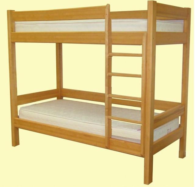 """На фото: деревянная двухъярусная кровать """"Лаура"""""""