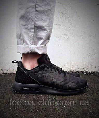 "Nike Air Max Tavas ""Black"" 705149-019"
