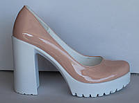 Женские туфли лаковые пудра на каблуке, женские туфли от производителя модель НП818э
