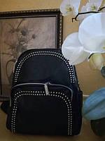 Черный модный рюкзак в городском стиле