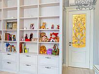 Витражные двери из массива клена в детскую комнату