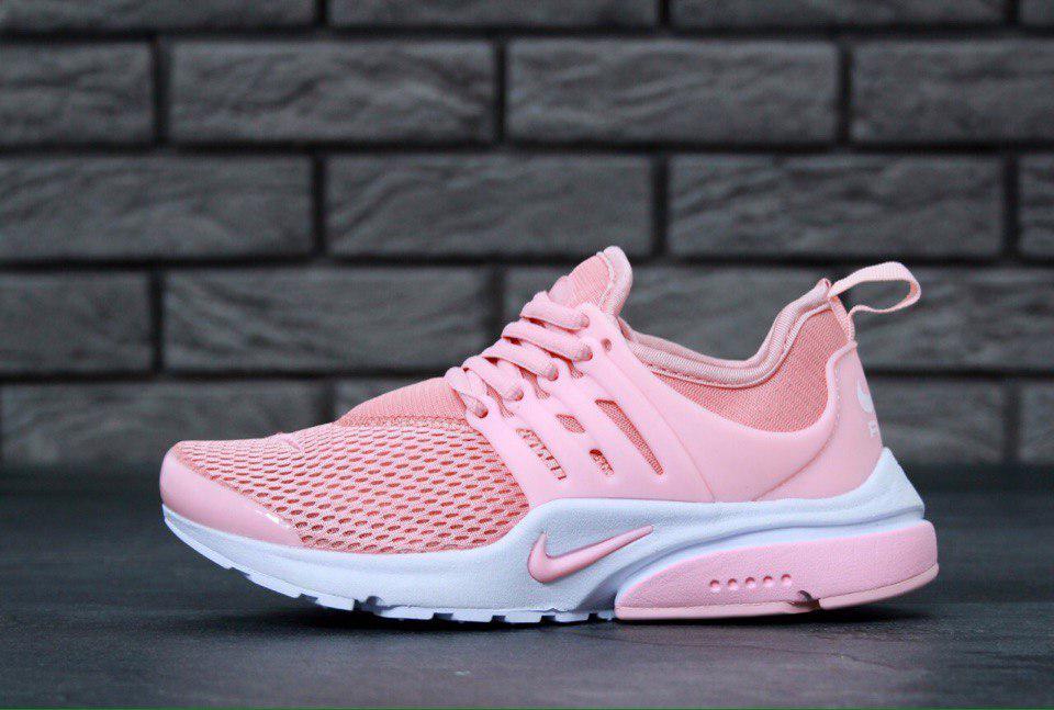 Женские кроссовки Nike для стильного образа