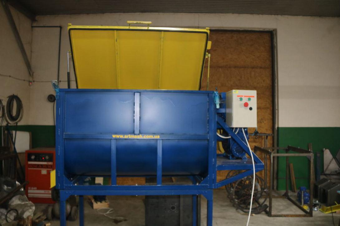 Смесительная установка для производства кормов (премиксов)