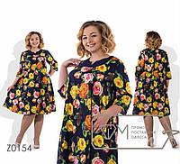 Женское красивое платье в цветочном принте  свободного кроя батал с 56 по 62 размер