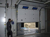 Промышленные секционные автоматические ворота Alutech в Киеве, фото 5