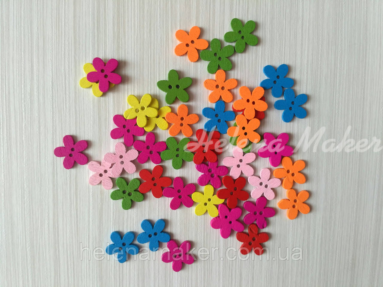 Декоративні дерев'яні ґудзики різнокольорові квіточки мм