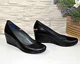Туфли кожаные на невысокой танкетке от производителя, фото 2