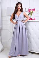 Женское платье в пол с брошью