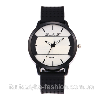 Часы наручные на черном силиконовом ремешке
