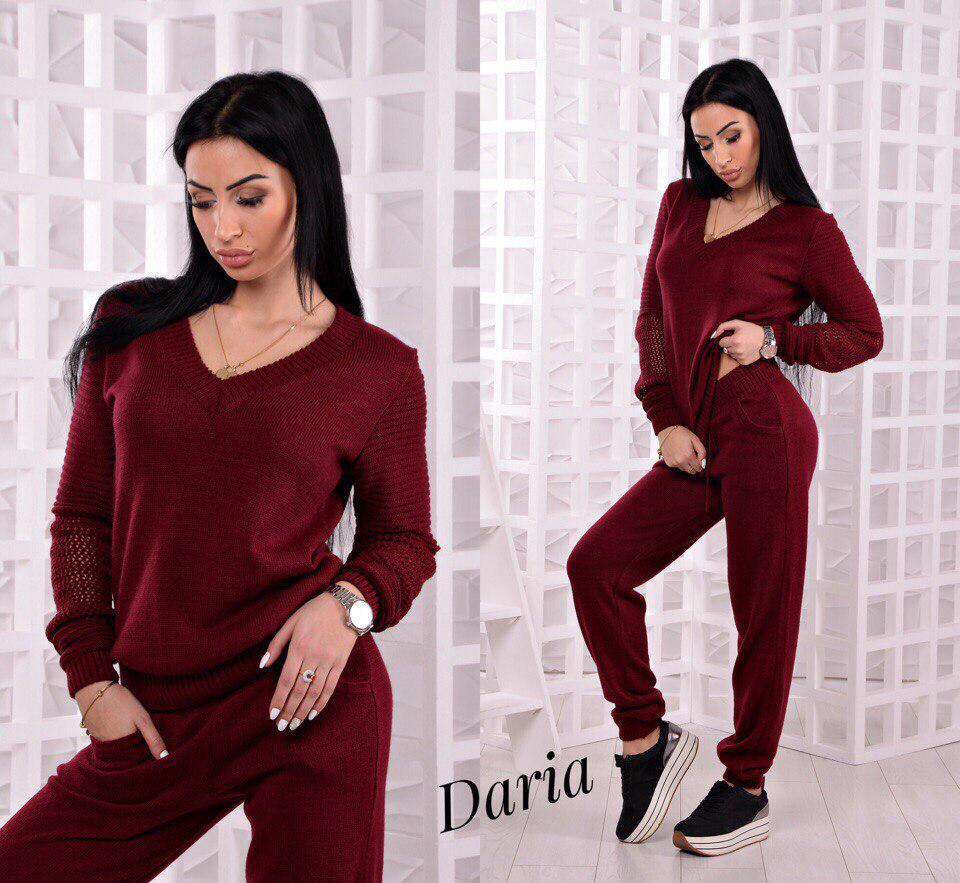 Практичный женский костюм красивого цвета марсала Daria