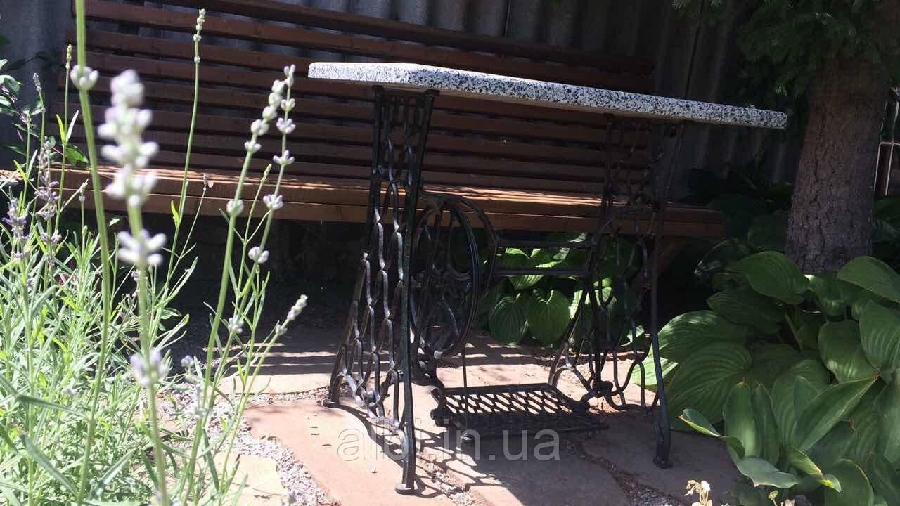Кофейный столик чугунный со столешницей из натурального камня