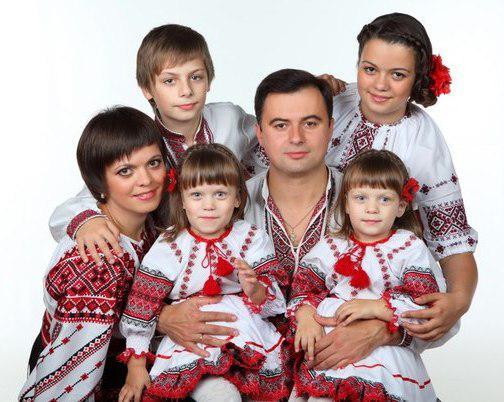 Вышиванки для всей семьи
