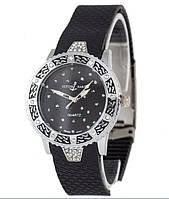Часы женские Ulysse Nardin кварцевые черные со стразами