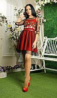 Красивое платье с вышивкой и сеточкой