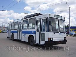 Скло переднє (лобове) на тролейбус ЮМЗ