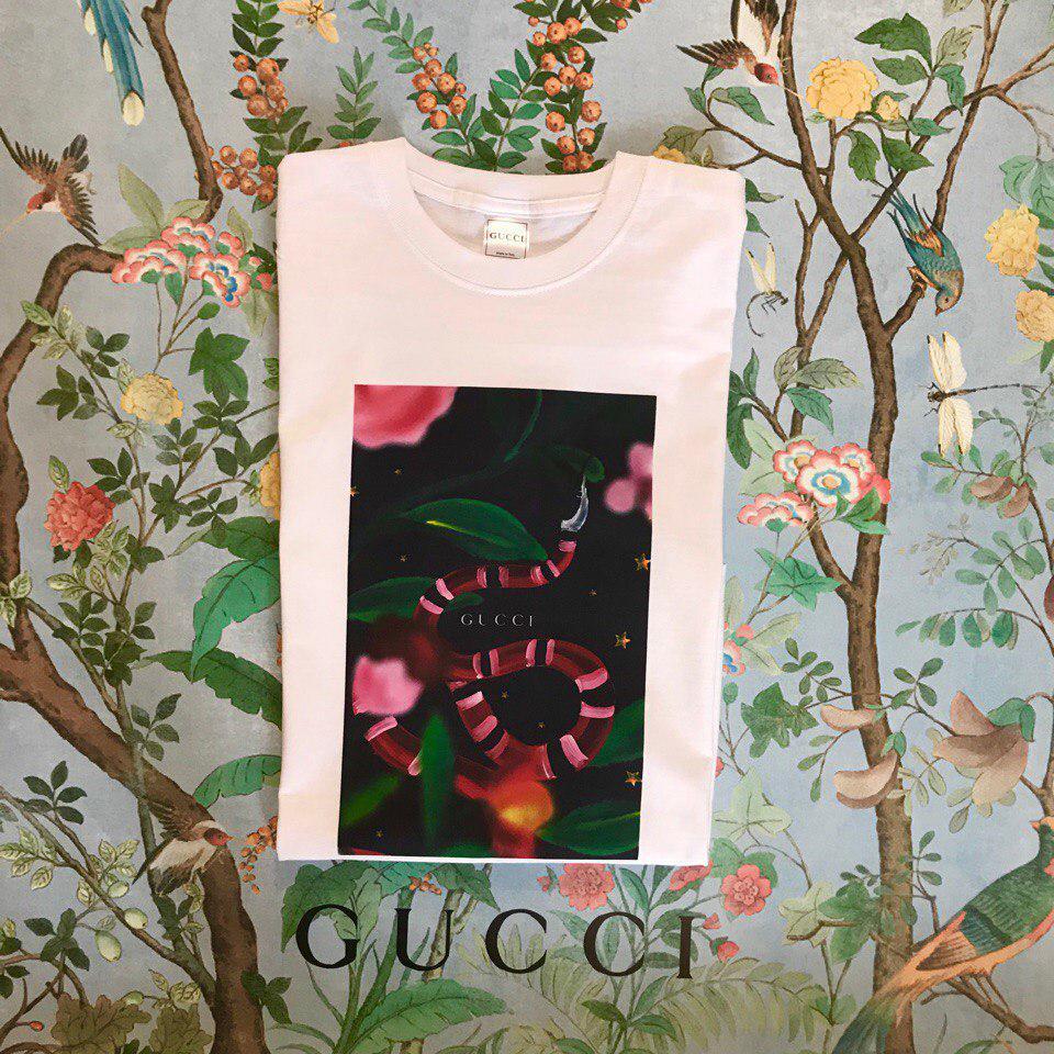 535e34c2a0714 Футболка Gucci, с цветами и змеей, цена 349 грн., купить в Николаеве ...