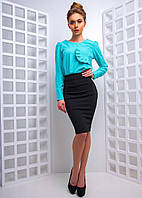 Женский костюм со стильной блузкой