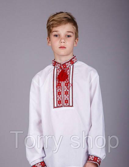 Вышитая рубашка хрестиком подростковая, красный орнамент