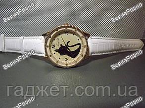 Женские наручные  часы с кошкой белого цвета. Женские часы, фото 2