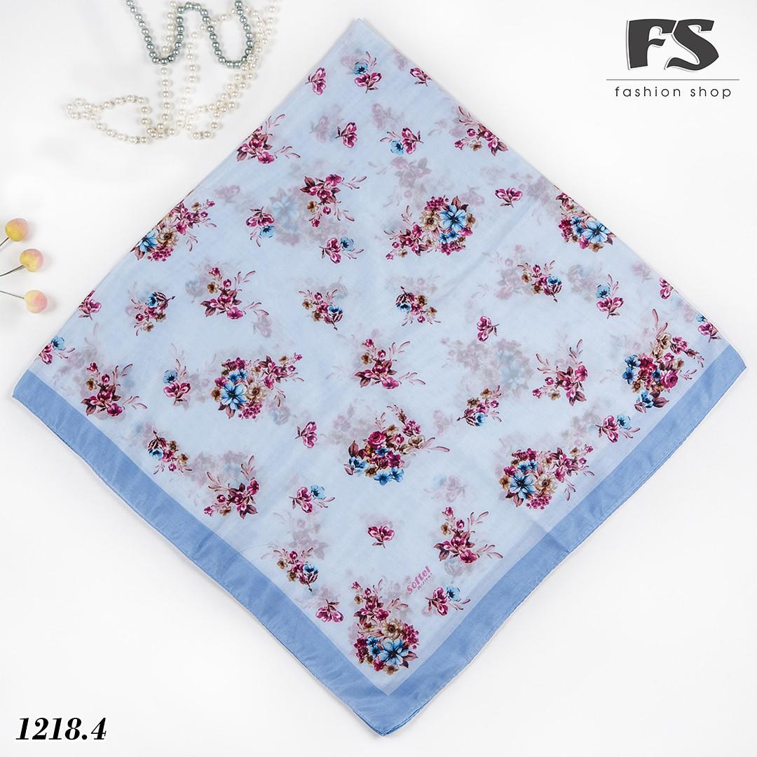 Летний голубой батистовый платок Цветочная нежность