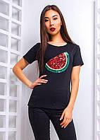 Женская футболка с модной нашивкой