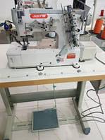 Трехигольная пятиниточная плоскошовная швейная машина Justta JT-500-01-DA цепного стежка