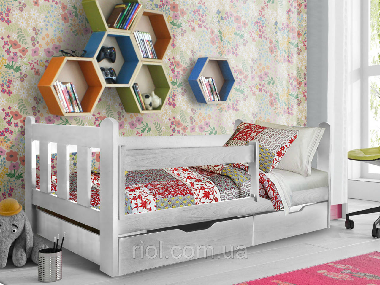 Кровать из массива бука Холли