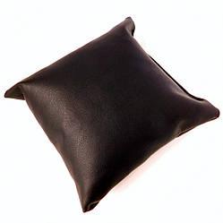 Подушка для браслета, цепочки, часов размер 10*11 см, чёрный кожзам