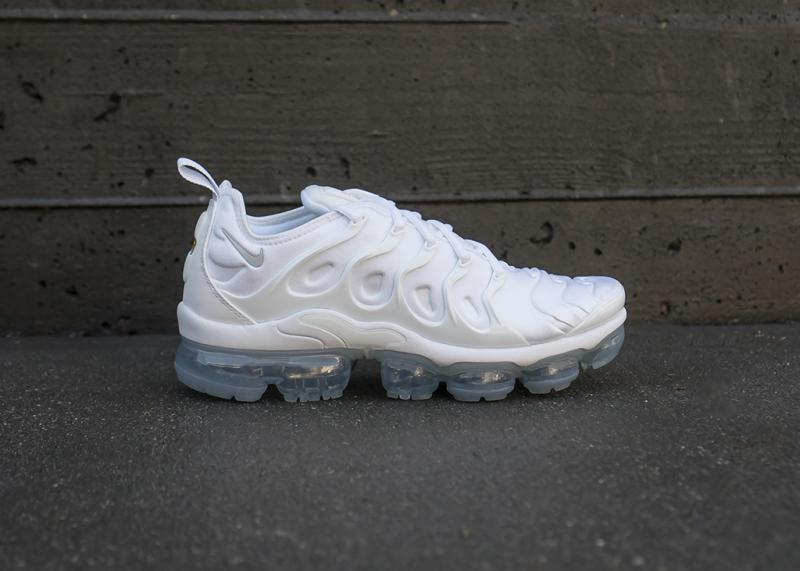 45e0ba79 Женские кроссовки Nike Air Vapormax Plus (White / White - Pure Platinum) -  Myjstore