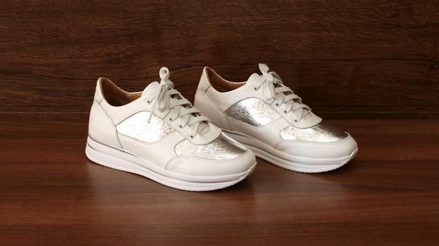 Женские белые кроссовки с серебристым, фото 8096.2