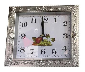 Настенные часы c фигурной рамкой Quartz(золото, серебро)