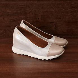 81542| Женские туфли на скрытой танкетке. Розовые из кожи