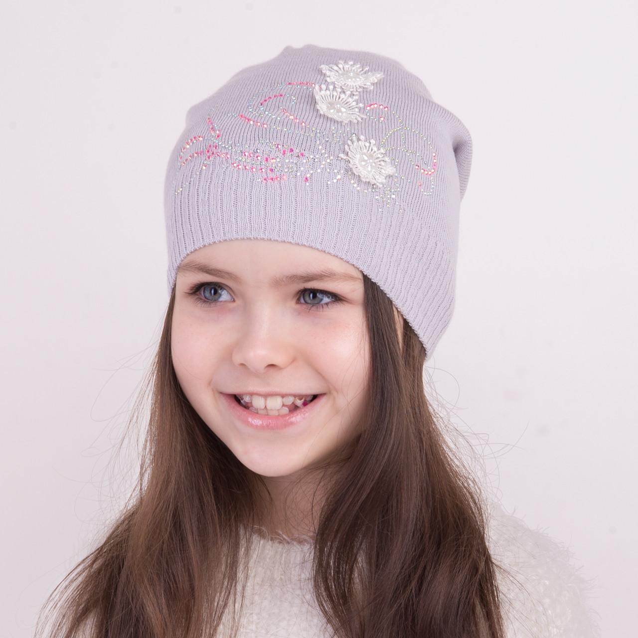 Стильная вязаная шапка для девочки на весну - Артикул 0963